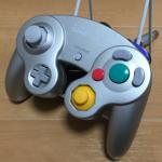 ゲームキューブ専用コントローラーは色も豊富で形も好評だった。